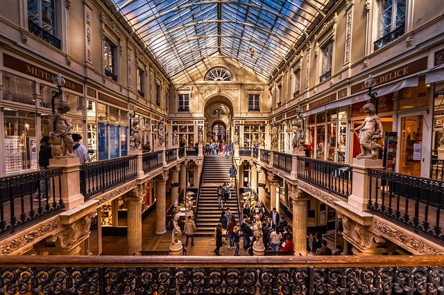 Le passage pommeraye et sa galerie marchande